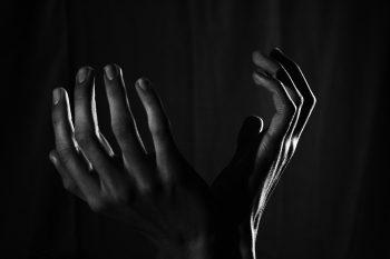 hands beg